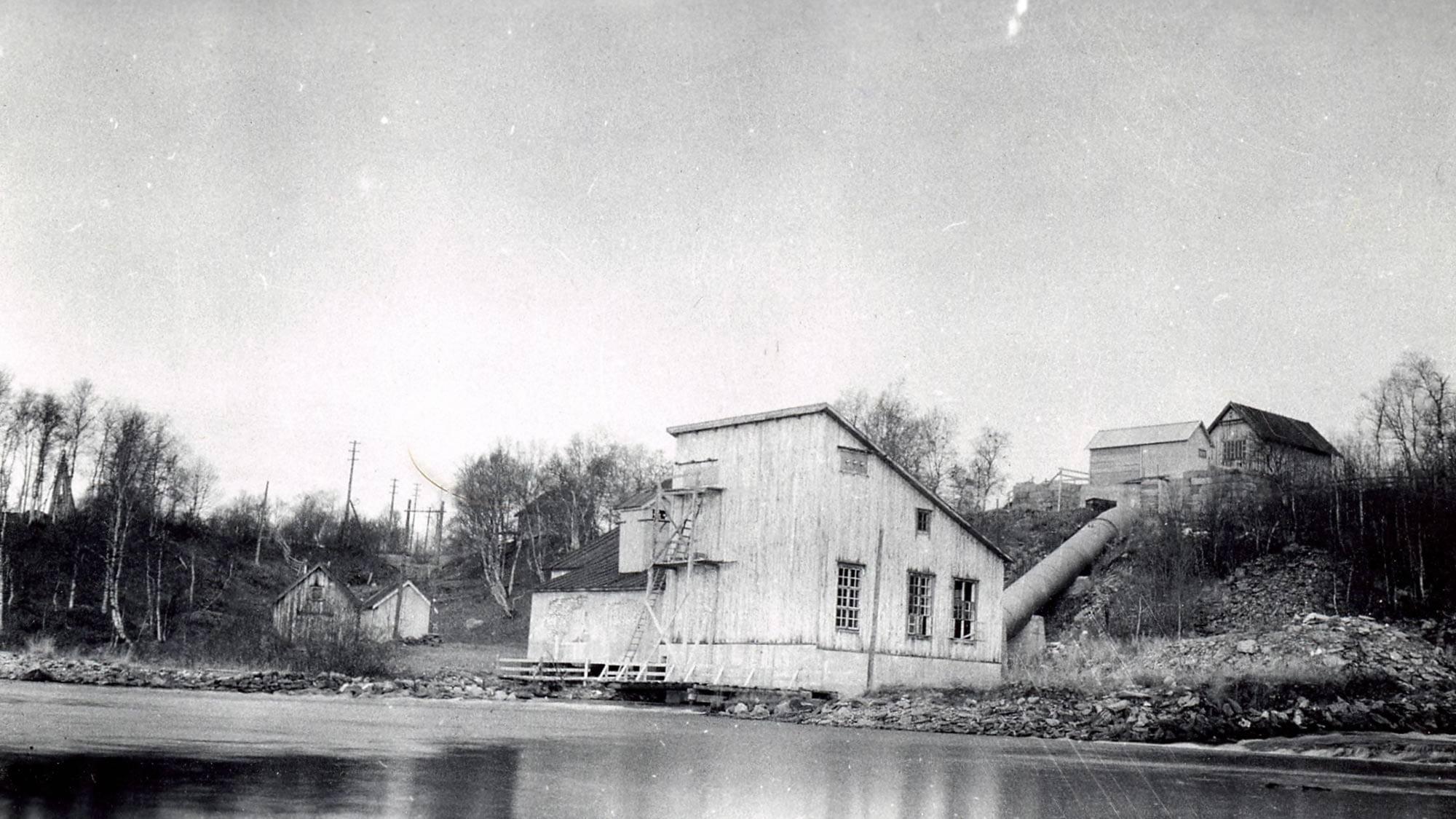 Røros Elektrisitetsverk kjøper Kuråsfossen av Kobberverket for 300.000 kr i 1936