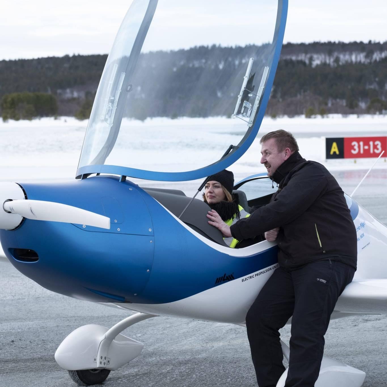 Verdens første grensekryssende vinterflygning med el-fly. Foto: Kurt Näslund