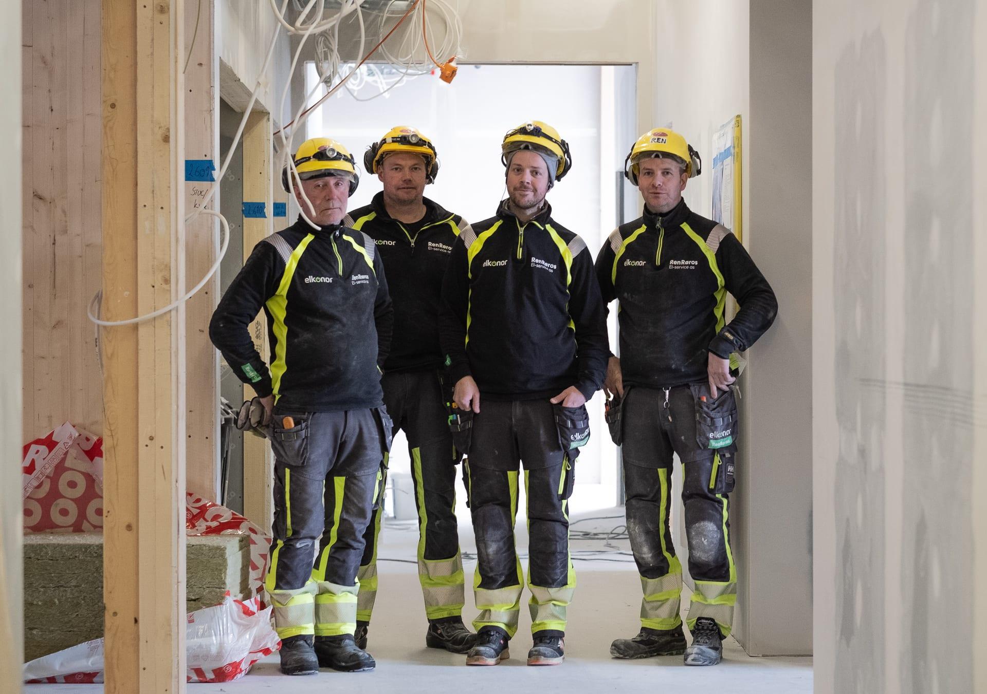 Elektrikere fra Ren Røros El-service står på for fullt i det som skal bli Øverhagaen bo-, helse- og velferdssenter på Røros. Foto: Ren Røros Frontal.