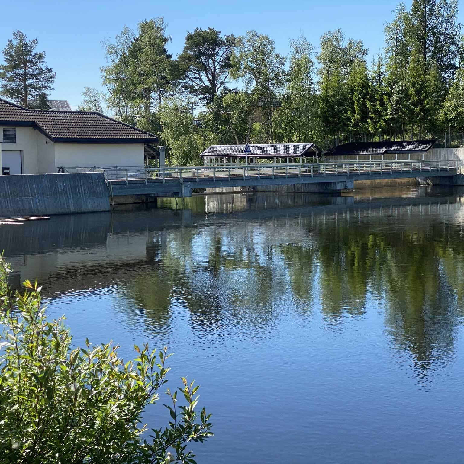 Kraft fra Os: Røstefossen ligger vakkert til i Os kommune. Anlegget produserer rundt 18 GWh i året. Foto: Ren Røros