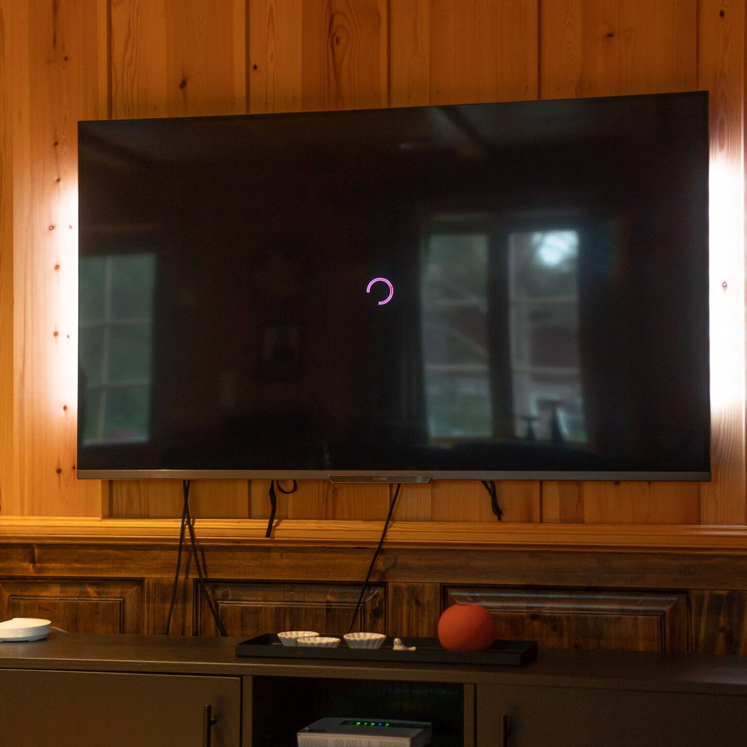 Rosa spinner på TV-skjermen?
